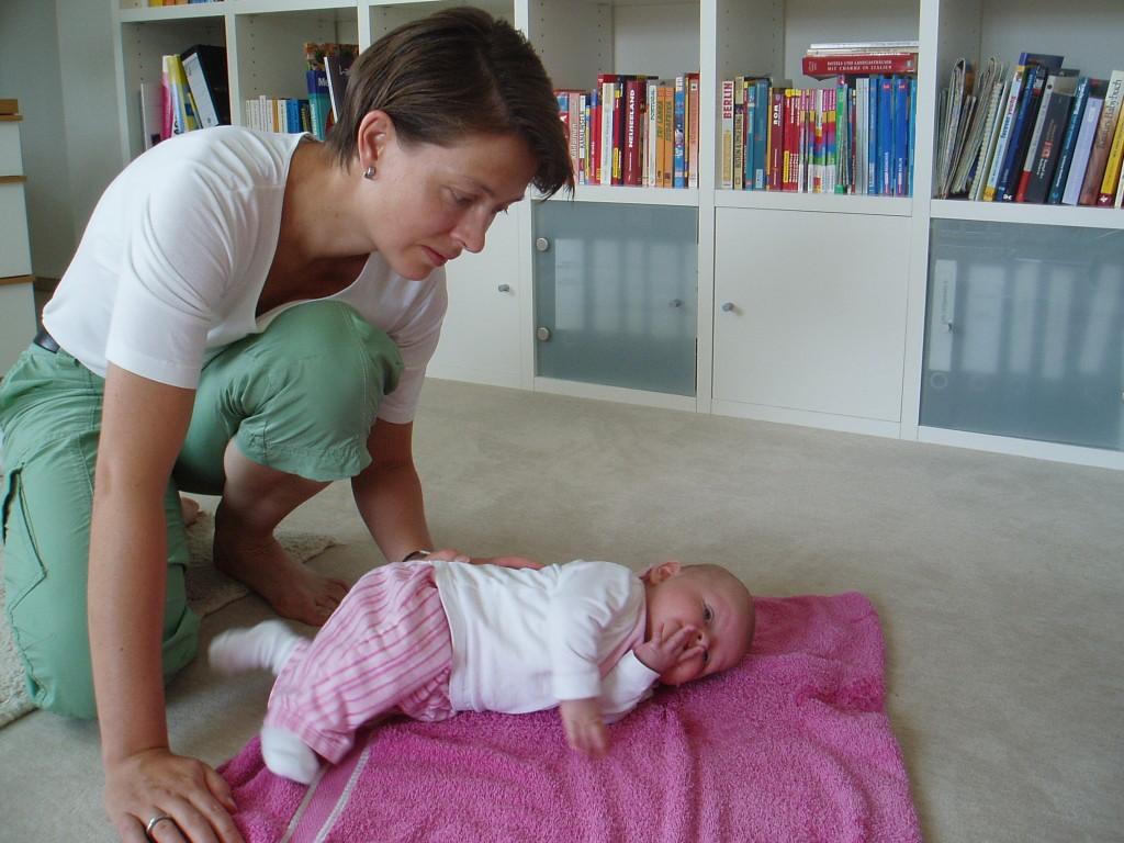 Wie gewöhnt sich das Baby an die Seitenlage?